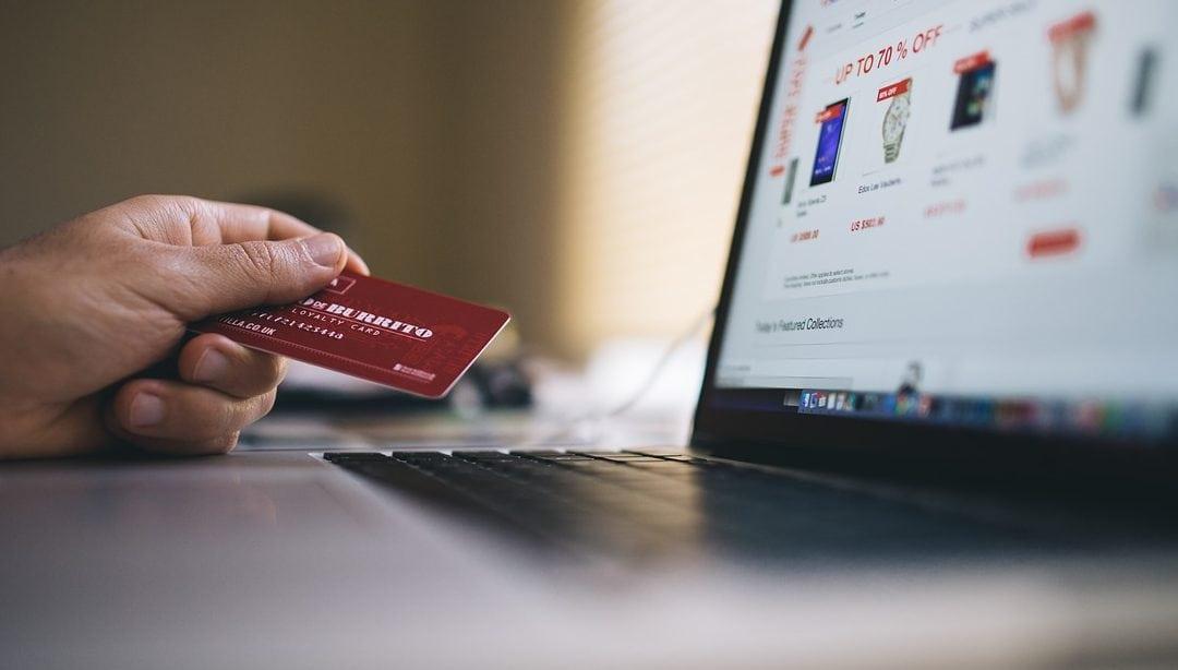 Milloin kerrot verkkokauppasi asiakkaalle postikulujen määrän?